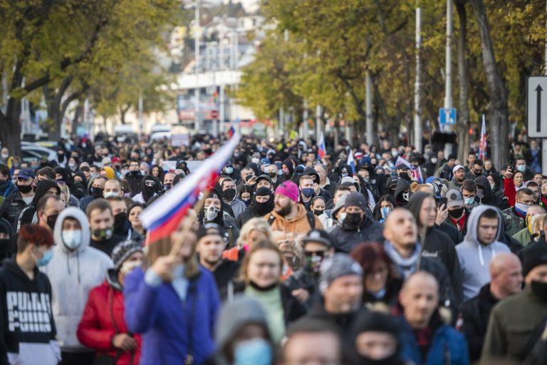 Protivládny protest v Bratislave