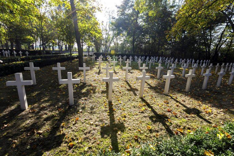 Pietna spomienka Petržalského okrášľovacieho spolku na vojakov Veľkej vojny