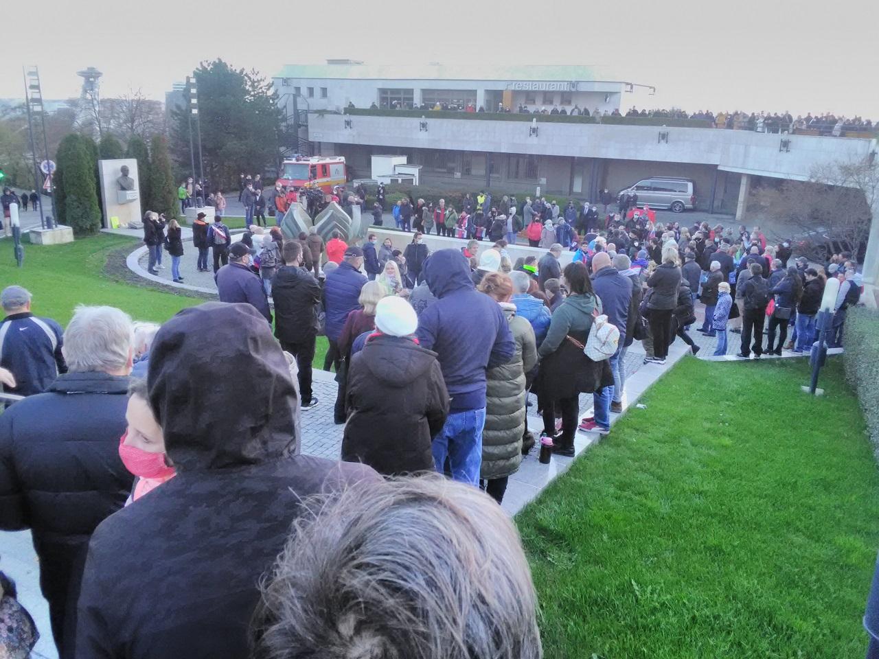 protest, NR SR