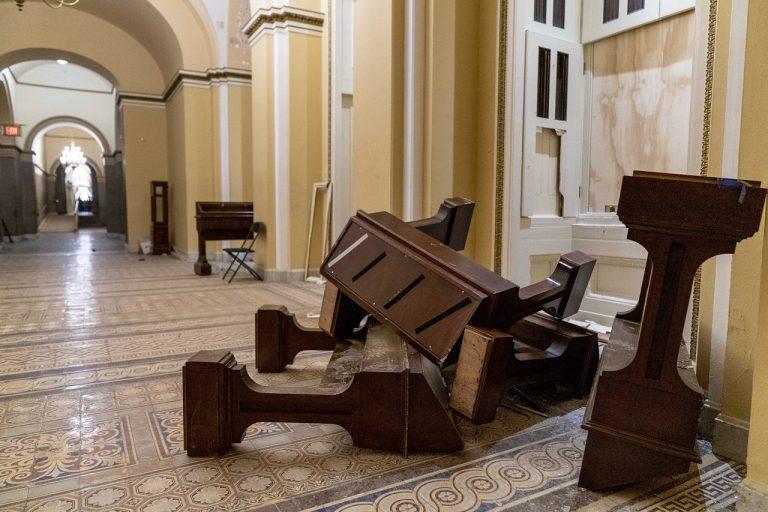vniknutie budova Kapitol