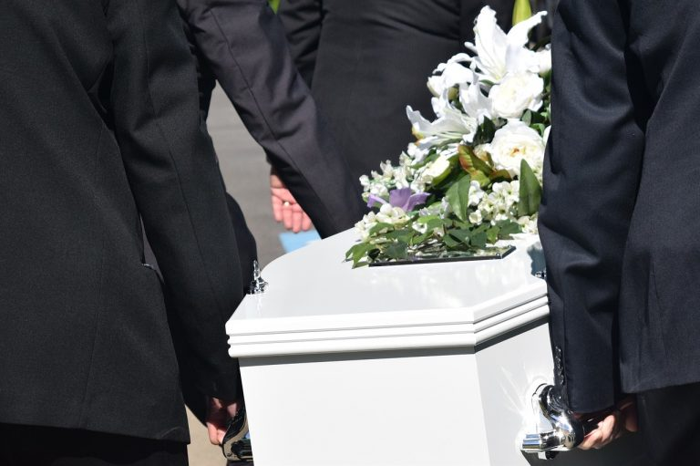 pohreb, truhla
