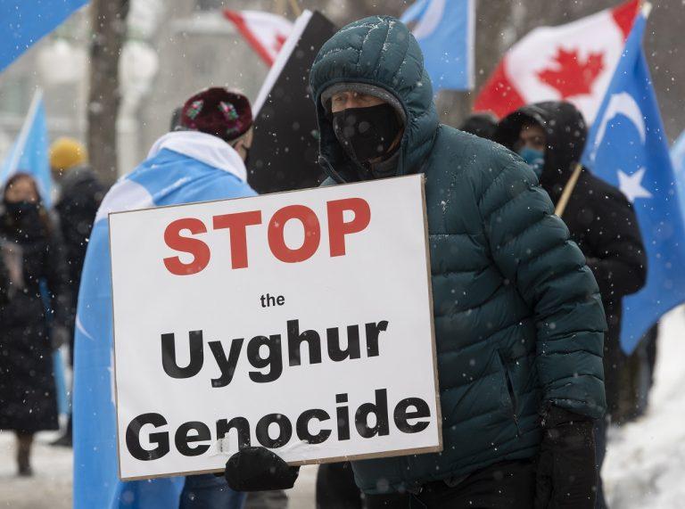 Kanada Čína Ujguri Parlament Genocída
