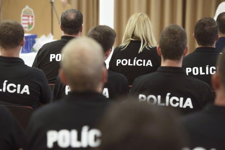 slovenskí policajti