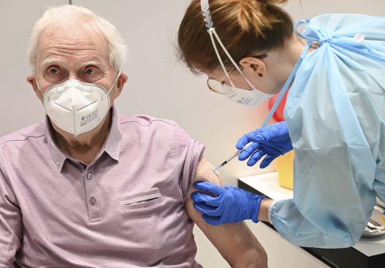očkovanie seniorov