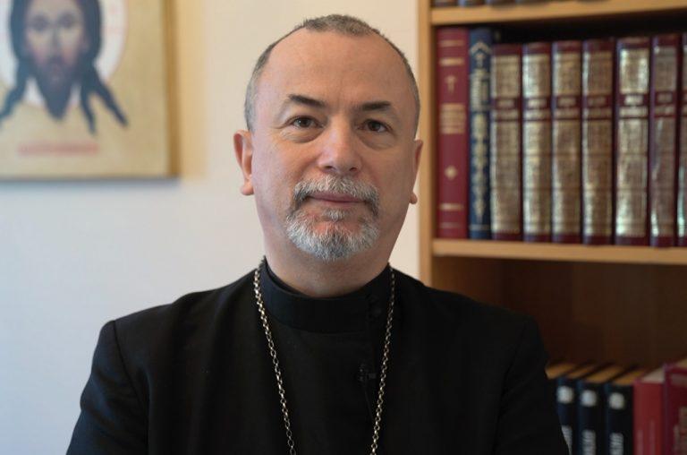 arcibiskup Cyril Vasiľ SJ