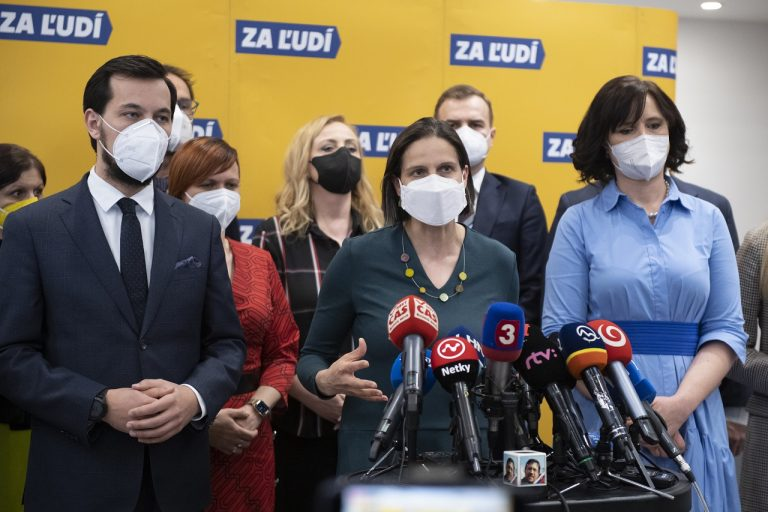 Veronika Remišová, Juraj Šeliga, Mária Kolíková