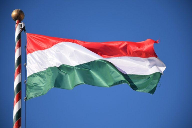 vlajka Madarsko