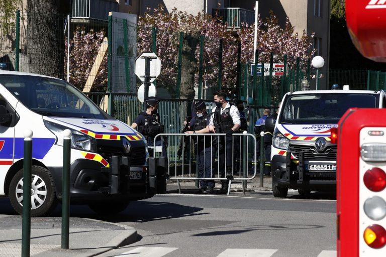 Útočník z Tuniska zabil nožom policajtku
