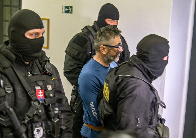 špecializovaný trestný súd v Banskej Bystrici polícia eskorta obvinený Ľubomír K. zločinecká skupina takáčovci