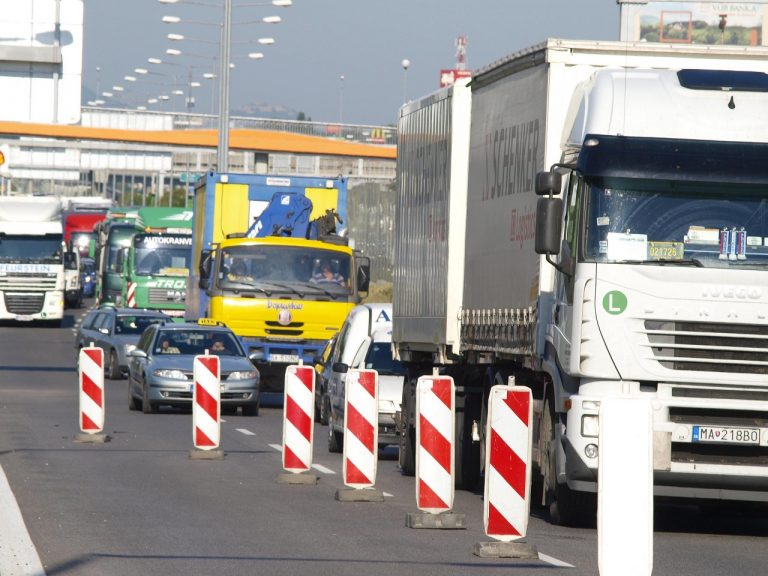 Prístavný most cestné komunikácie obmedzenie premávky