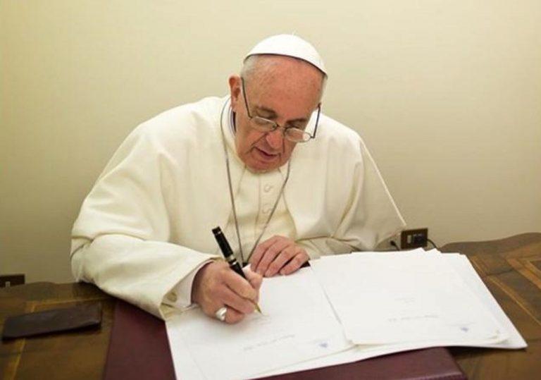 Pápež František píše list