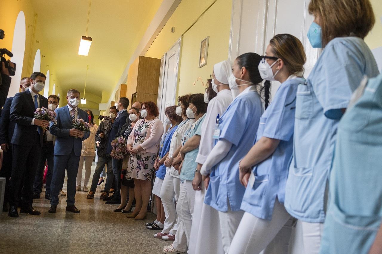 Eduard Heger, VladimírLengvarský návšteva Univerzitnej nemocnice Bratislava pri príležitosti Medzinárodného dňa sestier