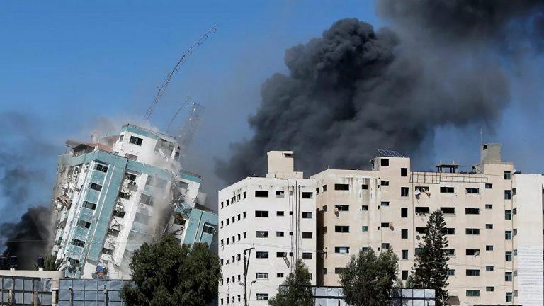 Izraelský útok na Pásmo Gazy zničil budovu s kanceláriami medzinárodných médií