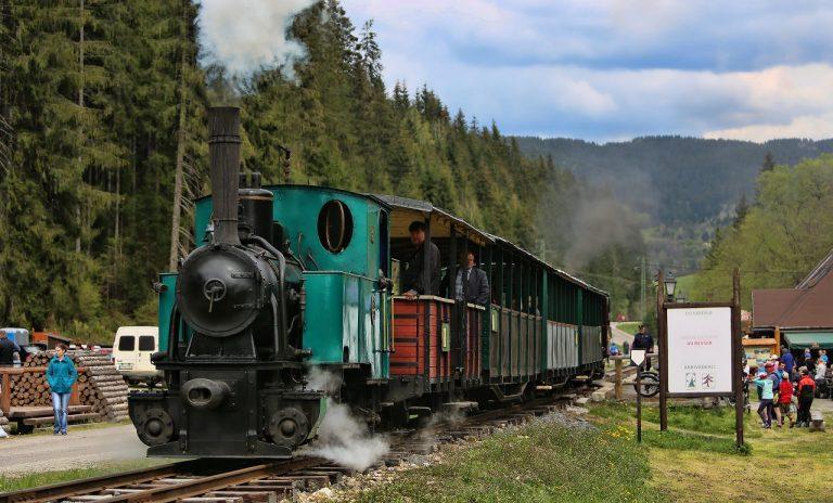 vlak na Čiernohorskej železnici