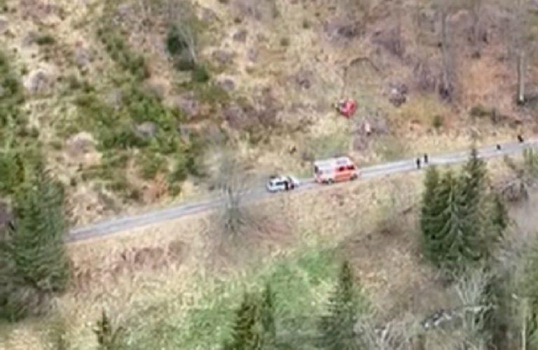 Leteckí záchranári pomáhali vodičovi, ktorý s autom spadol do rokliny neďaleko Vyšnej Boce v okrese Liptovský Mikuláš