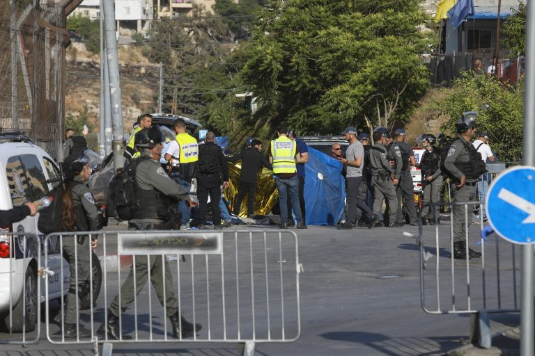 Izrael Palestínčania Jeruzalem auto chodci zranení