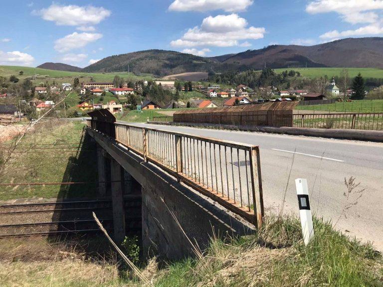 Kluknava železničný most