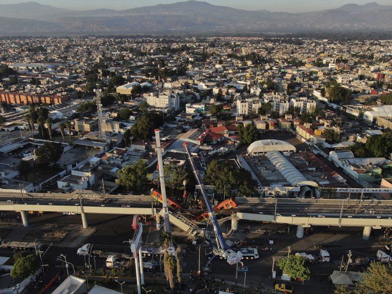 Metro most zrútenie Mexiko