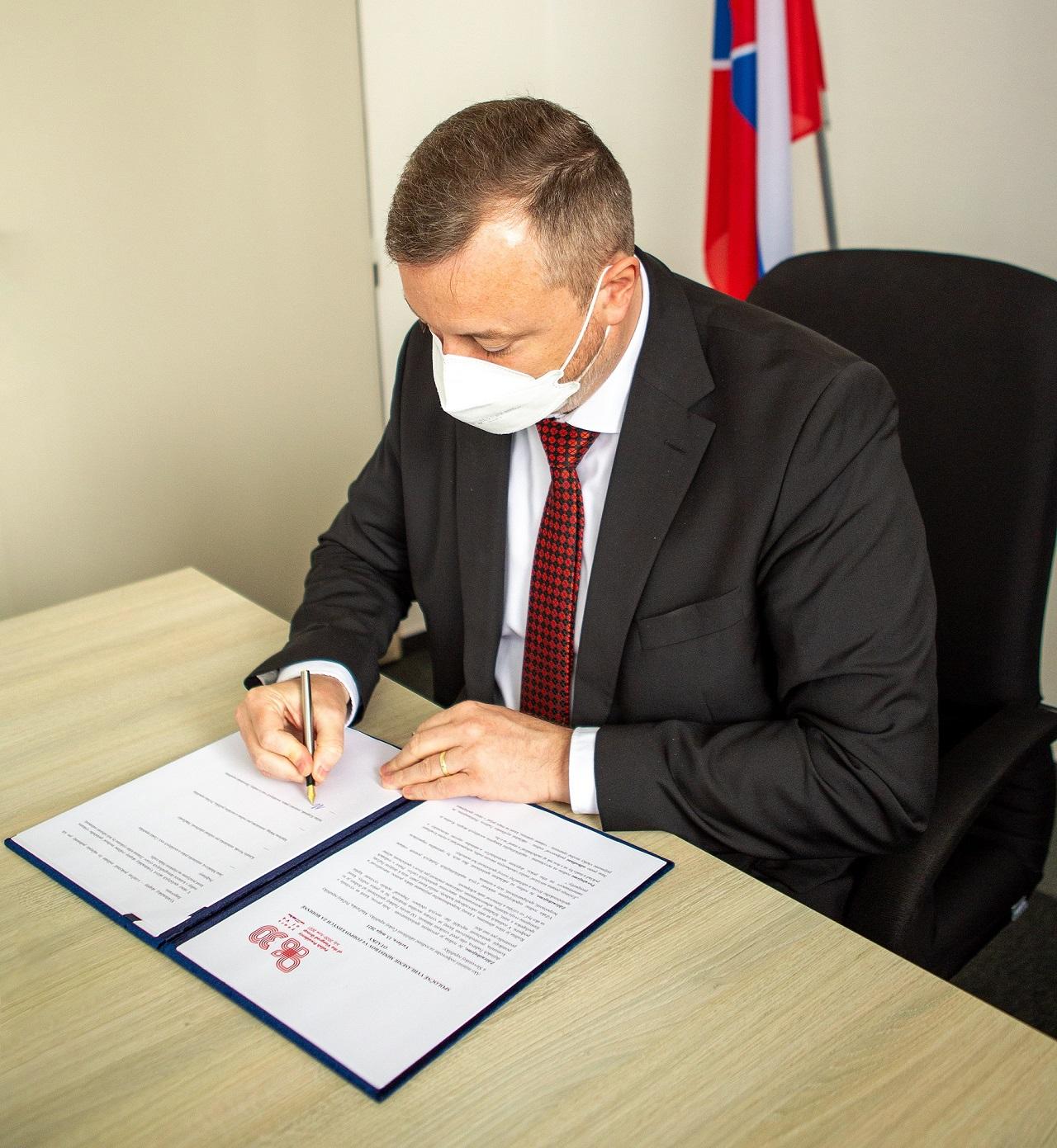 minister Milan Krajniak