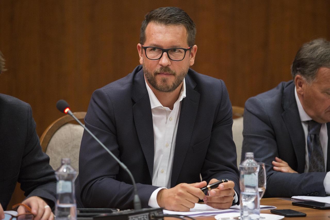 Andrej Holák