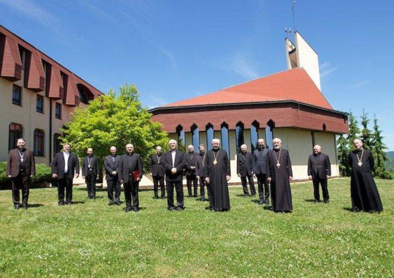 Spoločná snímka biskupov v Badíne