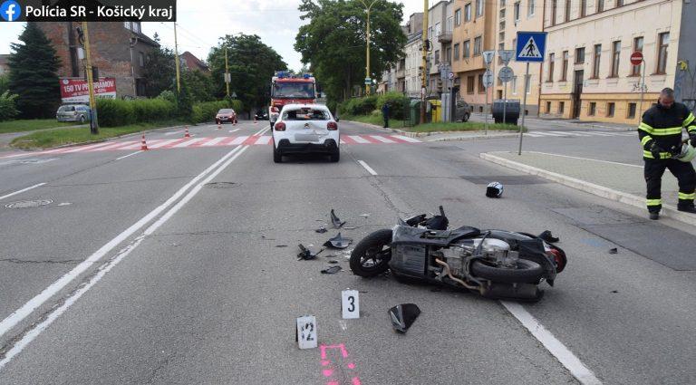 nehoda motorkára