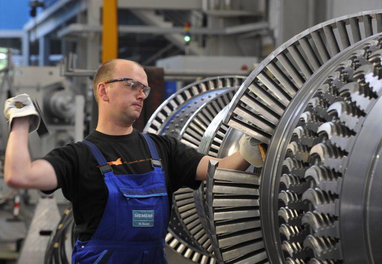 Robotník, továreň, ekonomika