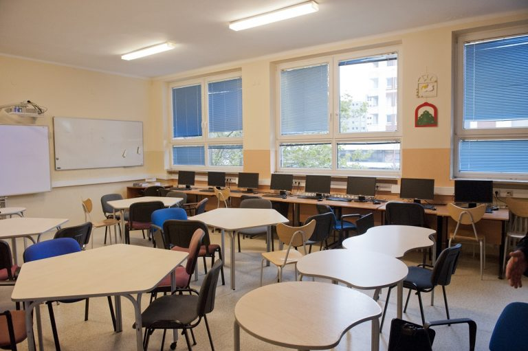 voľné miesta na stredných školách