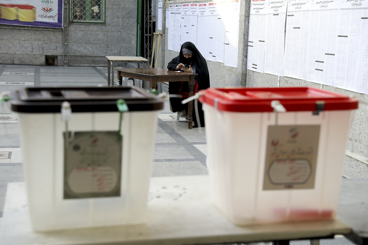 V Iráne sa začali prezidentské voľby
