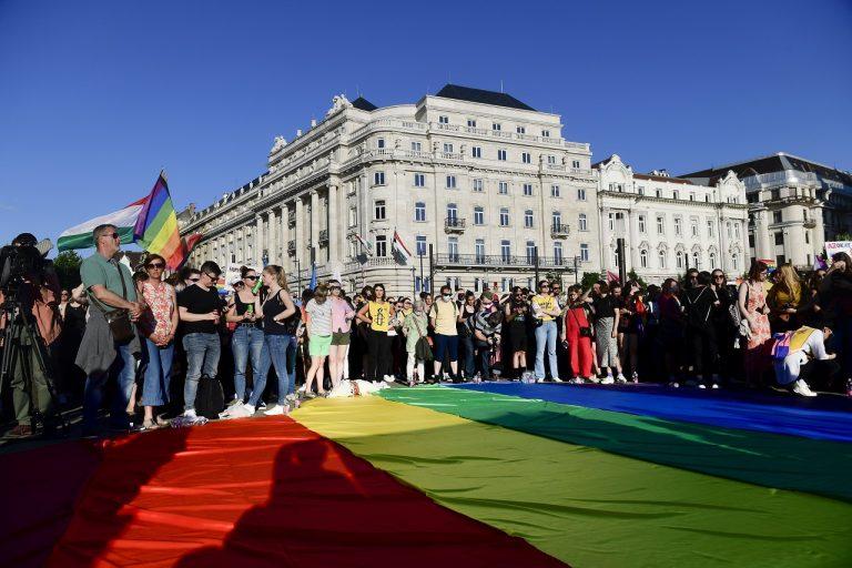 Protest za práva LGBTI komunity v Budapešti