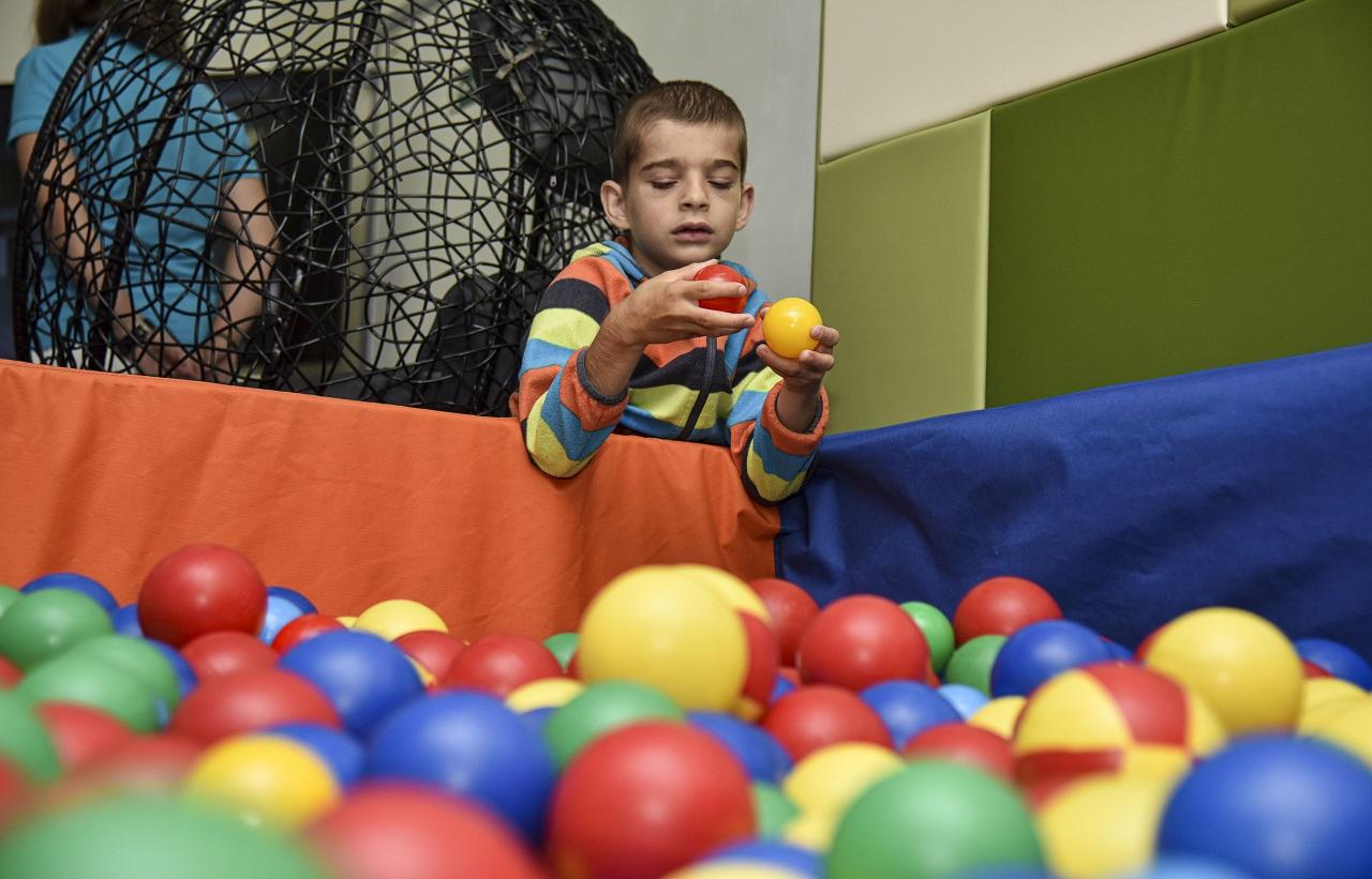 deti, autizmus, špecializované centrum