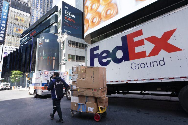 Kuriér FedEx-u