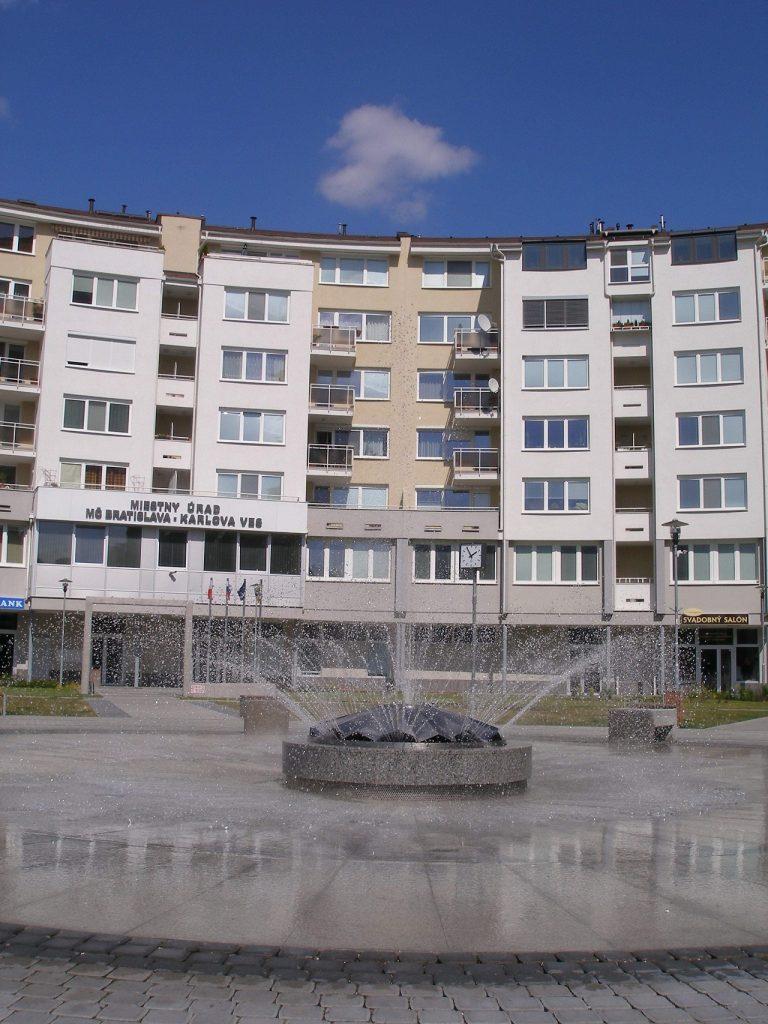 Miestny úrad v bratislavskej Karlovej Vsi