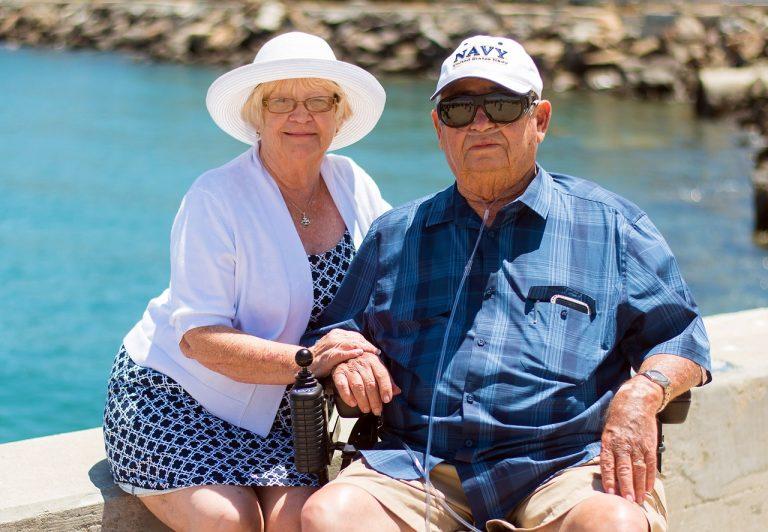 Seniori, starnutie, staroba