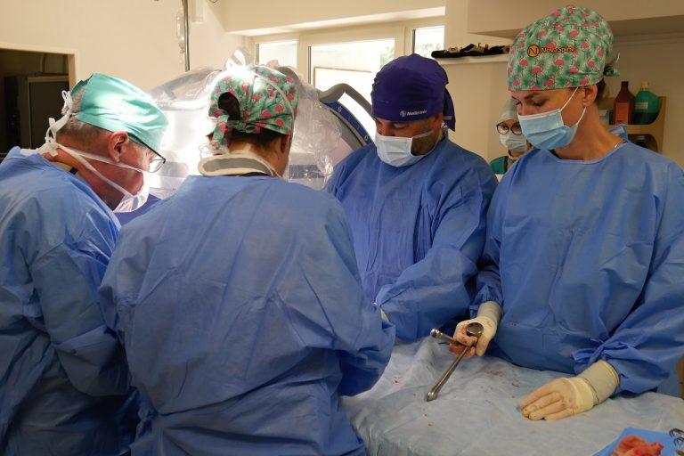 Zdravotníci, lekári