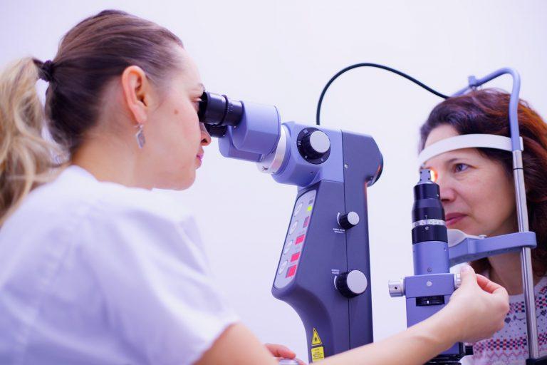 oko očný lekár očná lekárka