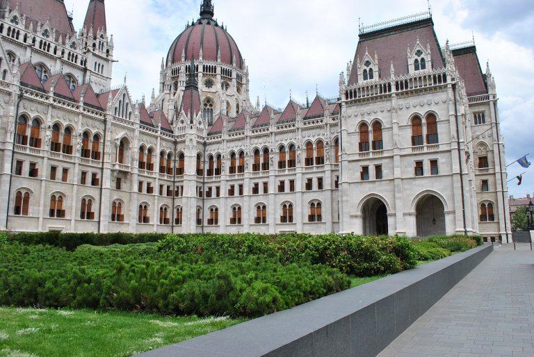 madarsko parlament