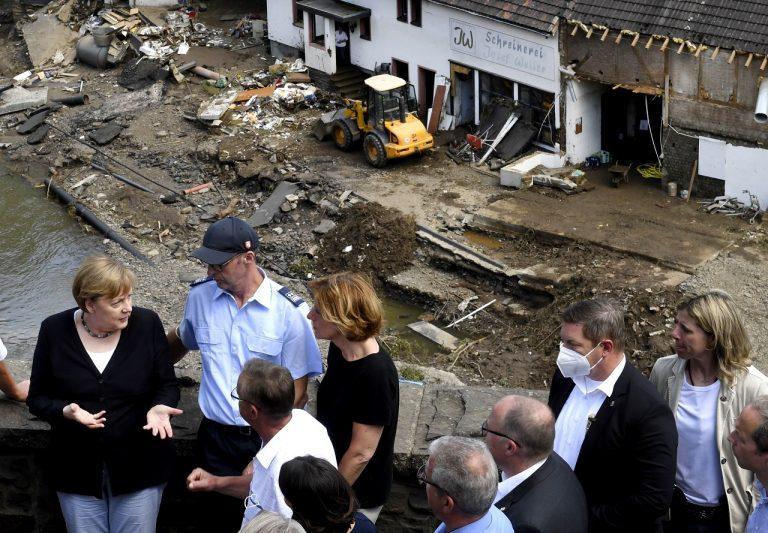 Nemecko počasie záplavy Merkelová