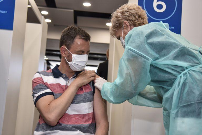 Eduard Heger očkovanie