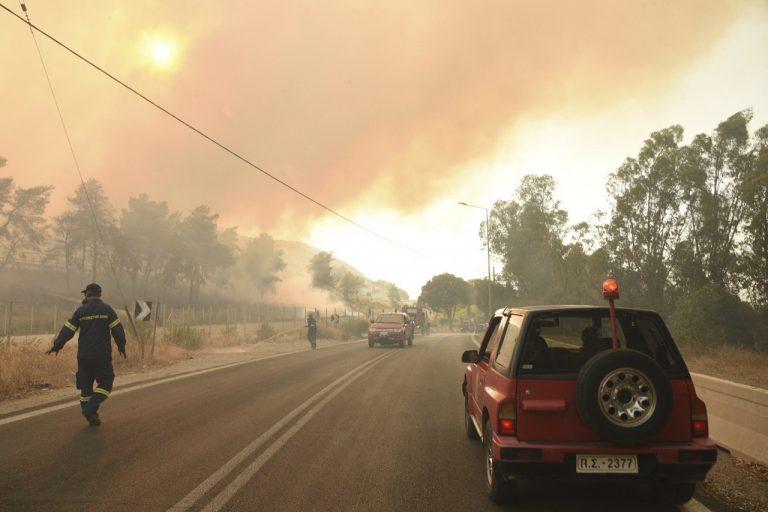 Grécko požiar počasie evakuácia