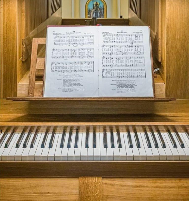 nový organ v kostole