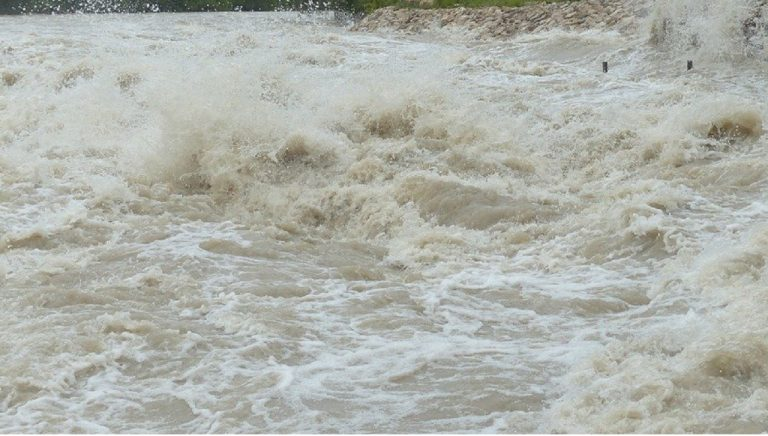 prívalová vlna, povodeň