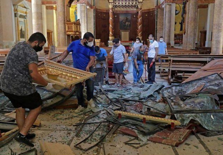 pomoc po ničivej tragédii v Libanone