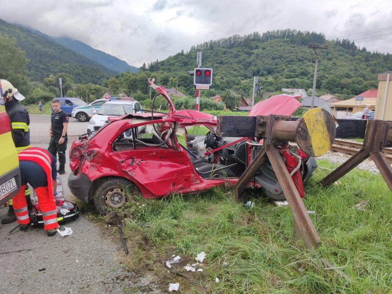 nehoda vlaku a auta