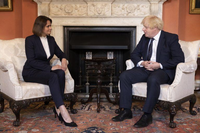 Boris Johnson a Sviatlana Cichanovská