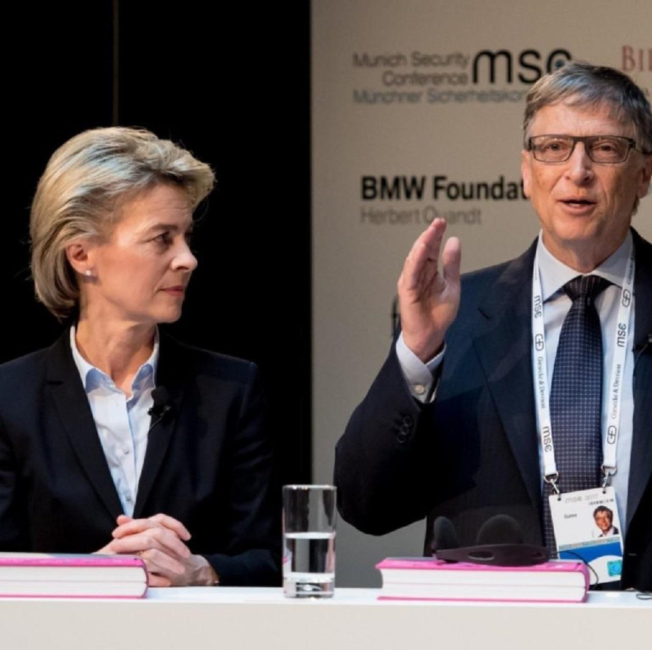 Ursula von der Leyen ako ministerka obrany Nemecka a Bill Gates