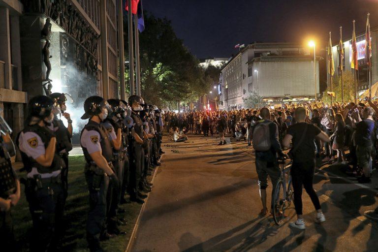 slovinsko protest korona