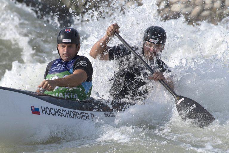 vodní slalomári