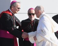 Na snímke pápež František a bratislavský arcibiskup a predseda Konferencie biskupov Slovenska (KBS) Stanislav Zvolenský