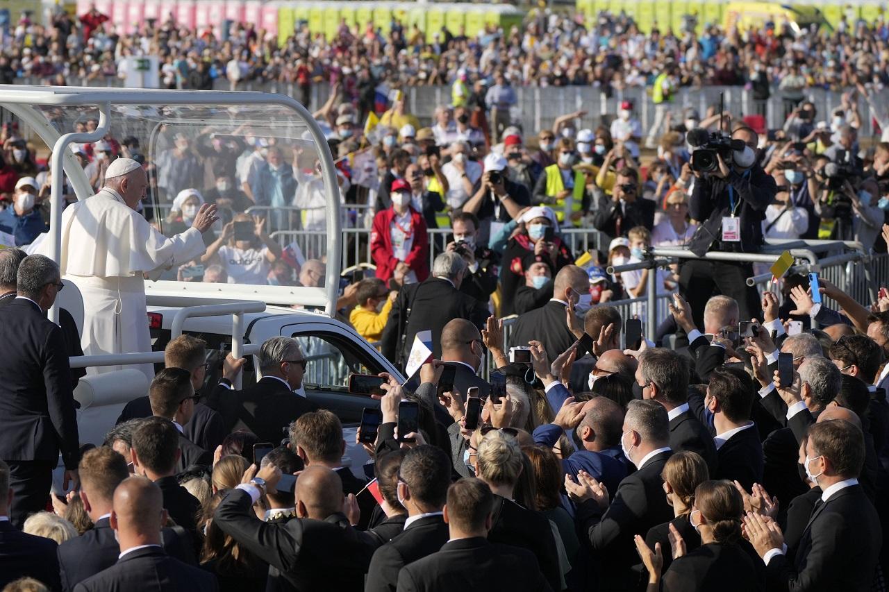pápež, šaštín